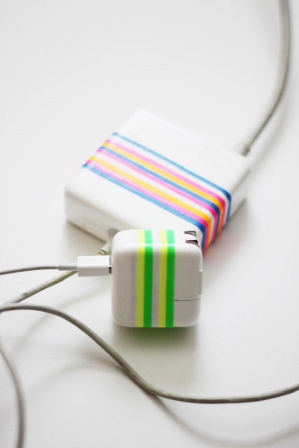 mark-power-cords-with-rubber-bands